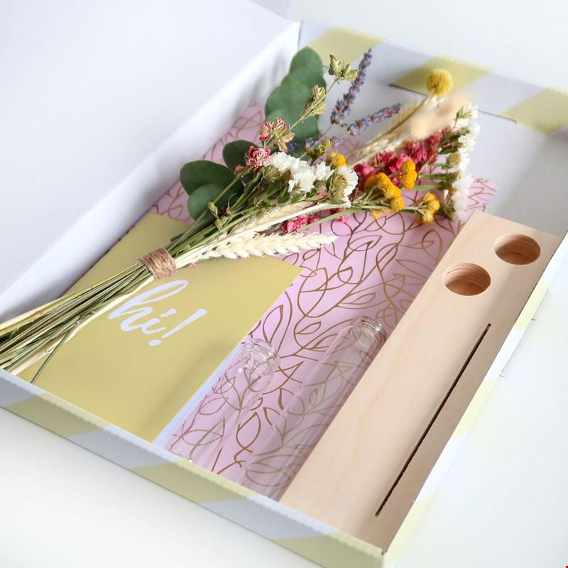 Bloompost memories plankje droogbloemen cadeau gift per post Flavourites