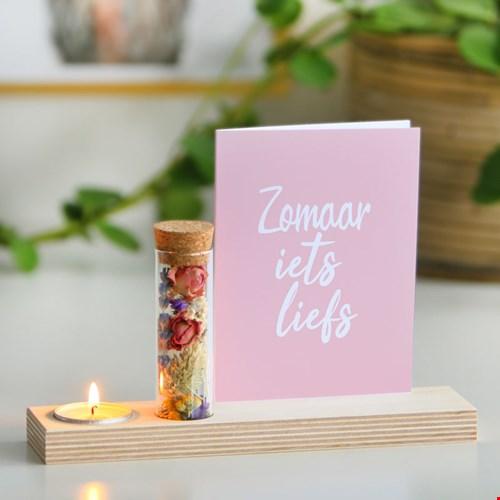 Bloomemory Bloompost kaartje met kaarsje cadeau post Flavourites