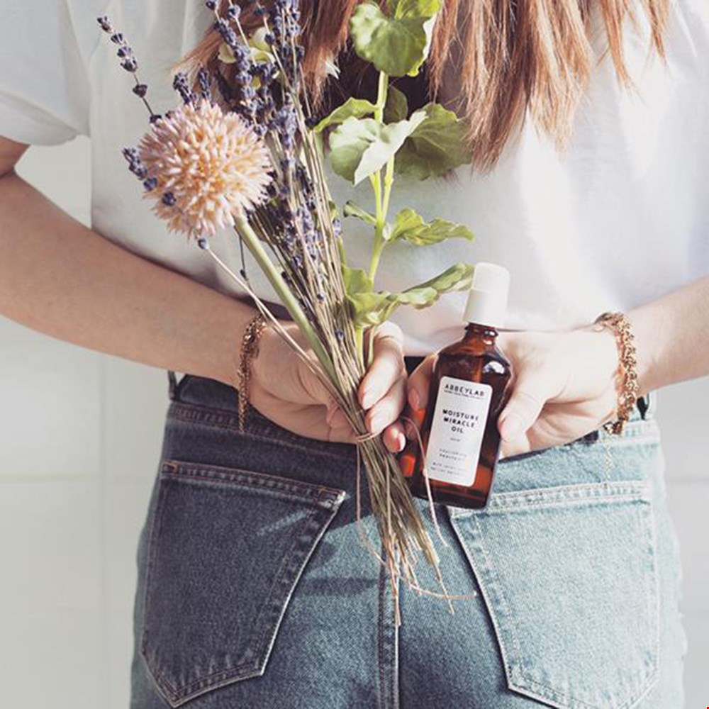 Moisture miracle oil
