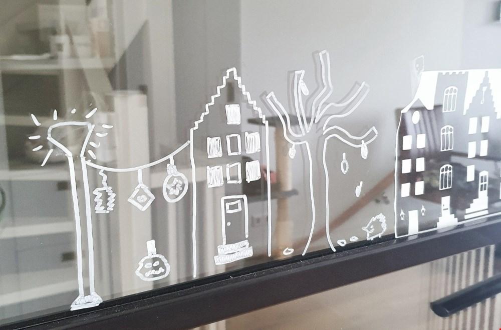 De raamstraatjes zijn leuk voor jong en oud. Heb jij al een gezellig straatje op het raam?