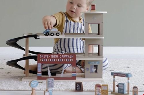 Houten speelgoed vind je bij Ikbenzomooi
