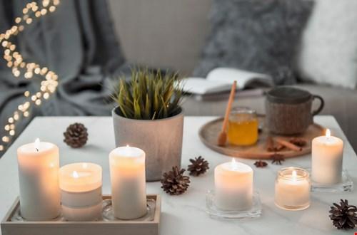 Scandinavische kerstsfeer: meer kaarsen in huis!