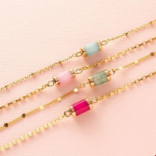 Armbanden met natuursteen tussenstuk
