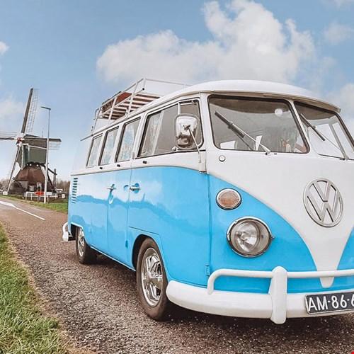 Volkswagen Mr. Blue Sky van Vintage Road Trips