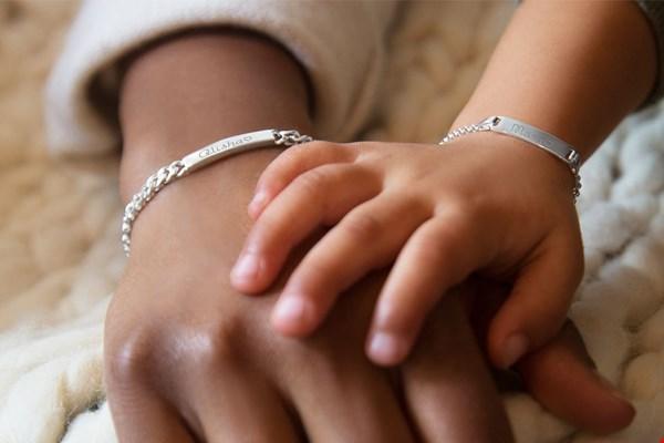 WIN een moeder-dochter armbanden set t.w.v. € 84,90 van KAYA Sieraden!