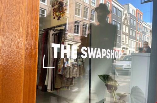 The Swapshop aan de Haarlemmerdijk