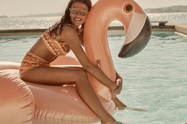 Hold on to your flamingo!