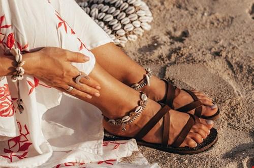Mooi én in de sale: sandalen van The Kindreds