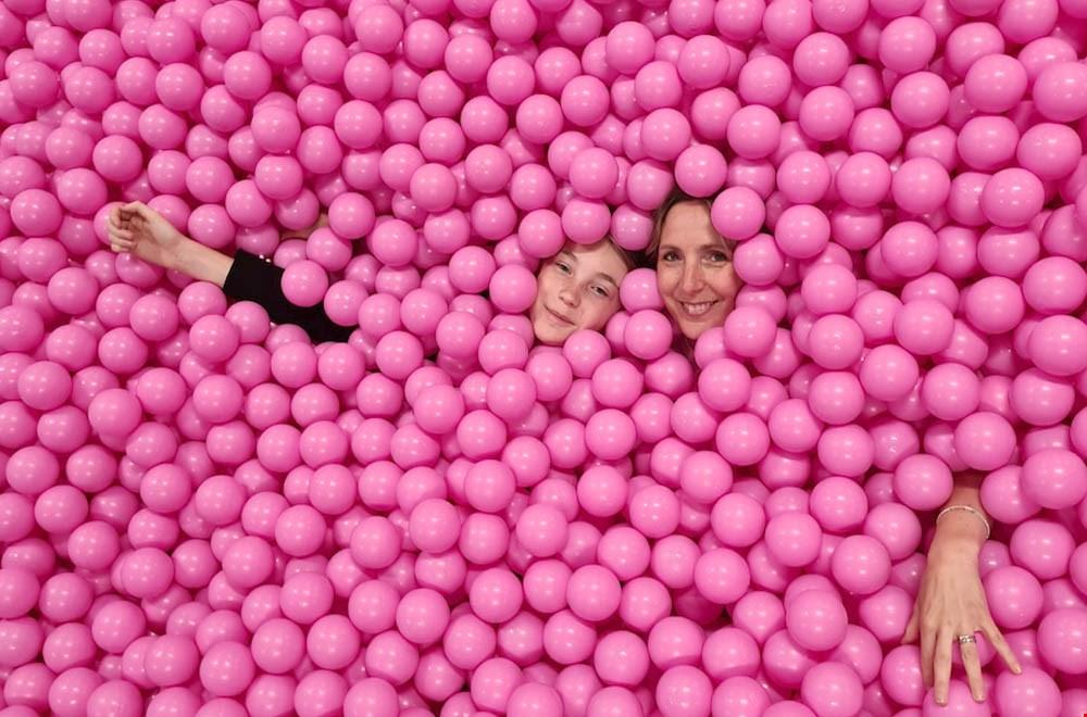 Dream-come-true momentje in de roze ballenbak bij Youseum