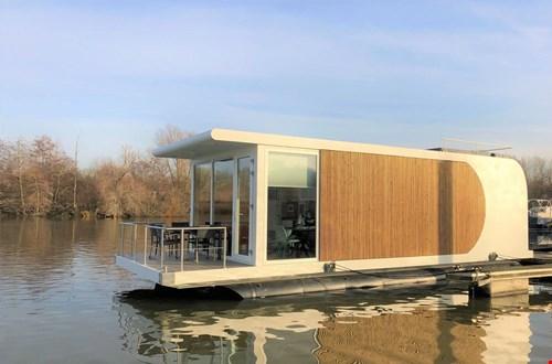 Houseboat in Maastricht