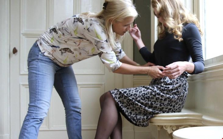 Tip: als je de kleding eerst eens rustig wilt passen kun je een afspraak maken in het atelier!