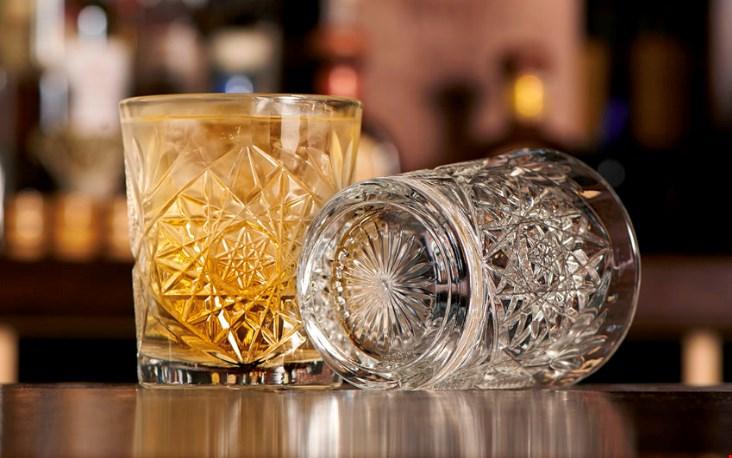 Deze robuuste glazen klinken pas goed tijdens het proosten!