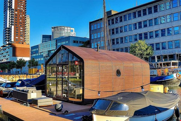 Wikkelboat tiny houseboat van karton Flavourites