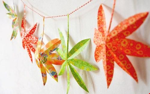 Hier kan ik dus geen genoeg van krijgen: mooi origami papier.  Ook hoe je zoiets dan vouwt leggen ze op hun website uit (of via social)