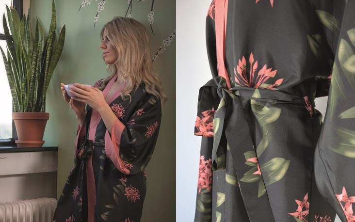 Helemaal nieuw in haar webshop zijn deze kimono's, met de hand gemaakt en van echte zijde...