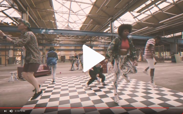 Check die video clip in de Snor Fabriek!