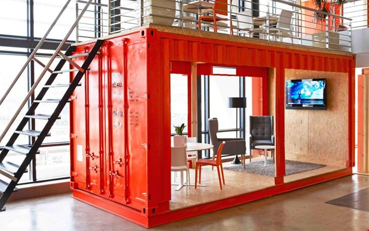 Zeecontainer als werkplek. Cool.