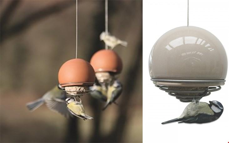 De Birdball™ Belle vogelpicnick is een leuke tuin eyecatcher