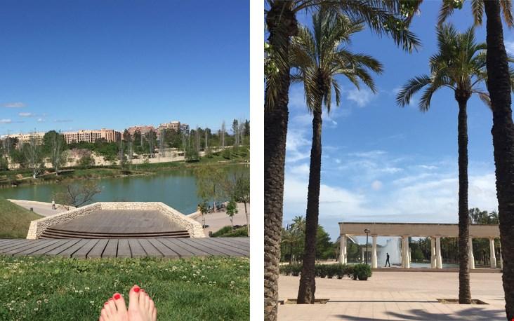 Cliche voetenfoto in het prachtige 9 km lange Turia park in Valencia