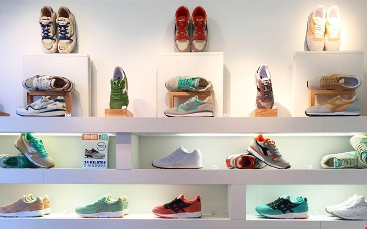Kleurrijke sneakers bij Trendy Room