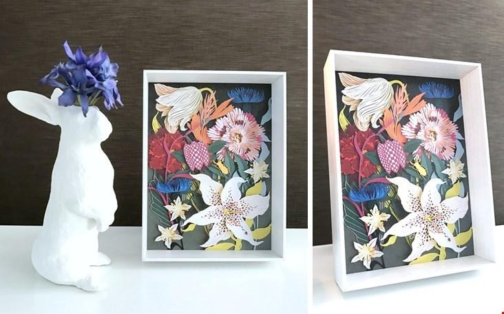 Kunstwerkje Fête des Fleurs met als ondertitel: Stilleven met bloemen, lieveheersbeestje en vliegend hert.