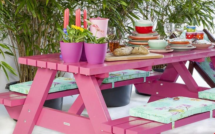 Gezelligheid rondom de picknicktafel