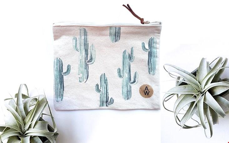 In hetzelfde design van Annet Weelink vind je ook tassen en etuis, leuk!