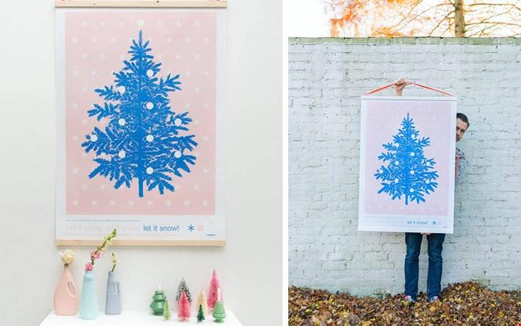 Dit jaar eens een blauwe kerstboom?  Mooie poster van Zilverblauw!
